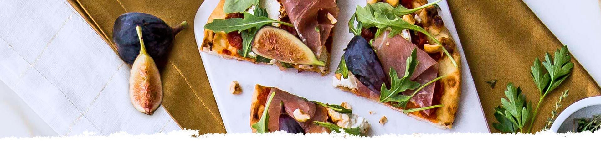 Flatbread with Fig, Prosciutto, and Arugula