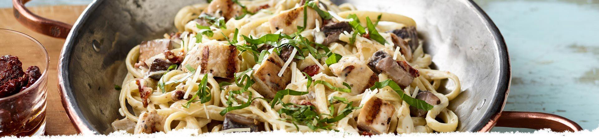 Linguine with Roasted Garlic, Mushrooms, & Chicken