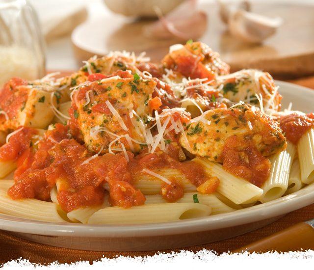 Garlic Chicken & Penne Spicy Marinara