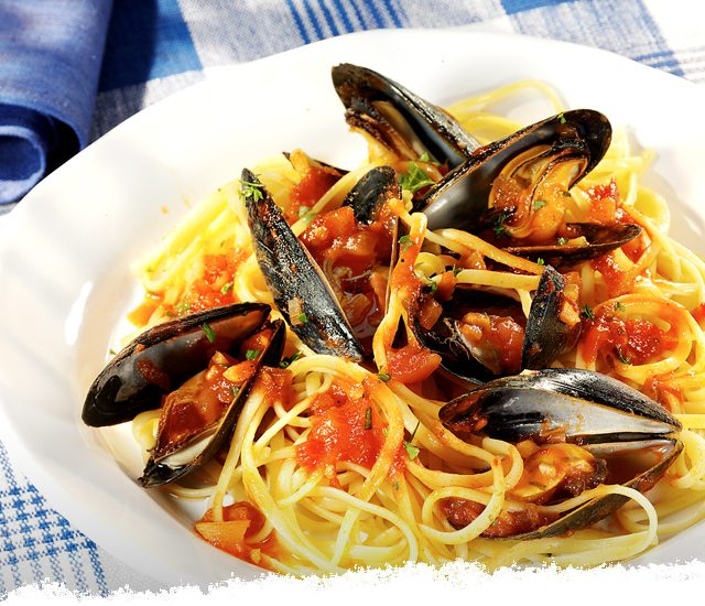 Mussels Marinara with Linguine