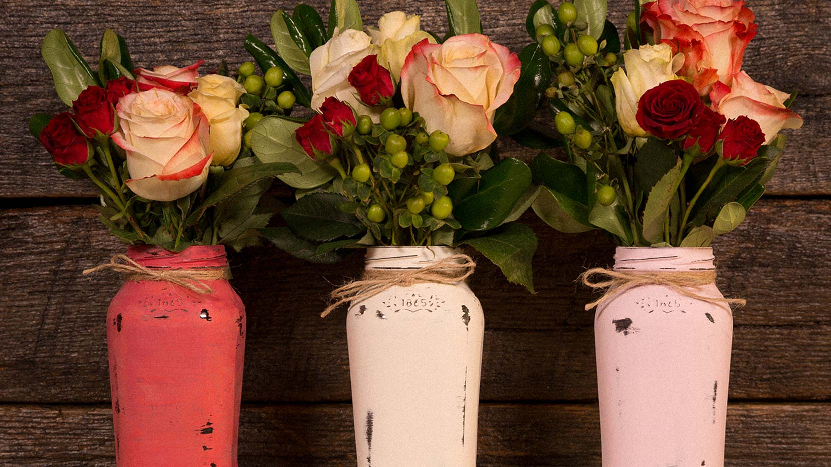 Add roses and place at the center of your Tuscan-inspired table for a simple Valentine's Day vase.